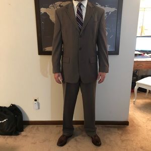 MENS: NAUTICA BROWN PINSTRIPED SUIT 42L 36L